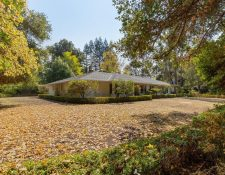 Selby Ln, Atherton, CA 94027